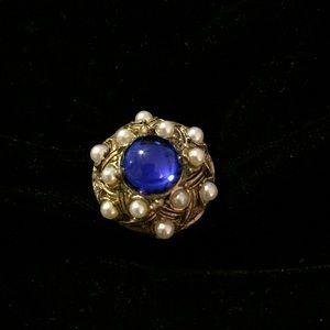 Gorgeous Vintage Uniquely Designed Ring